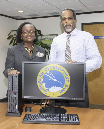 cdb-assisting-education-in-barbados-through-donations-2